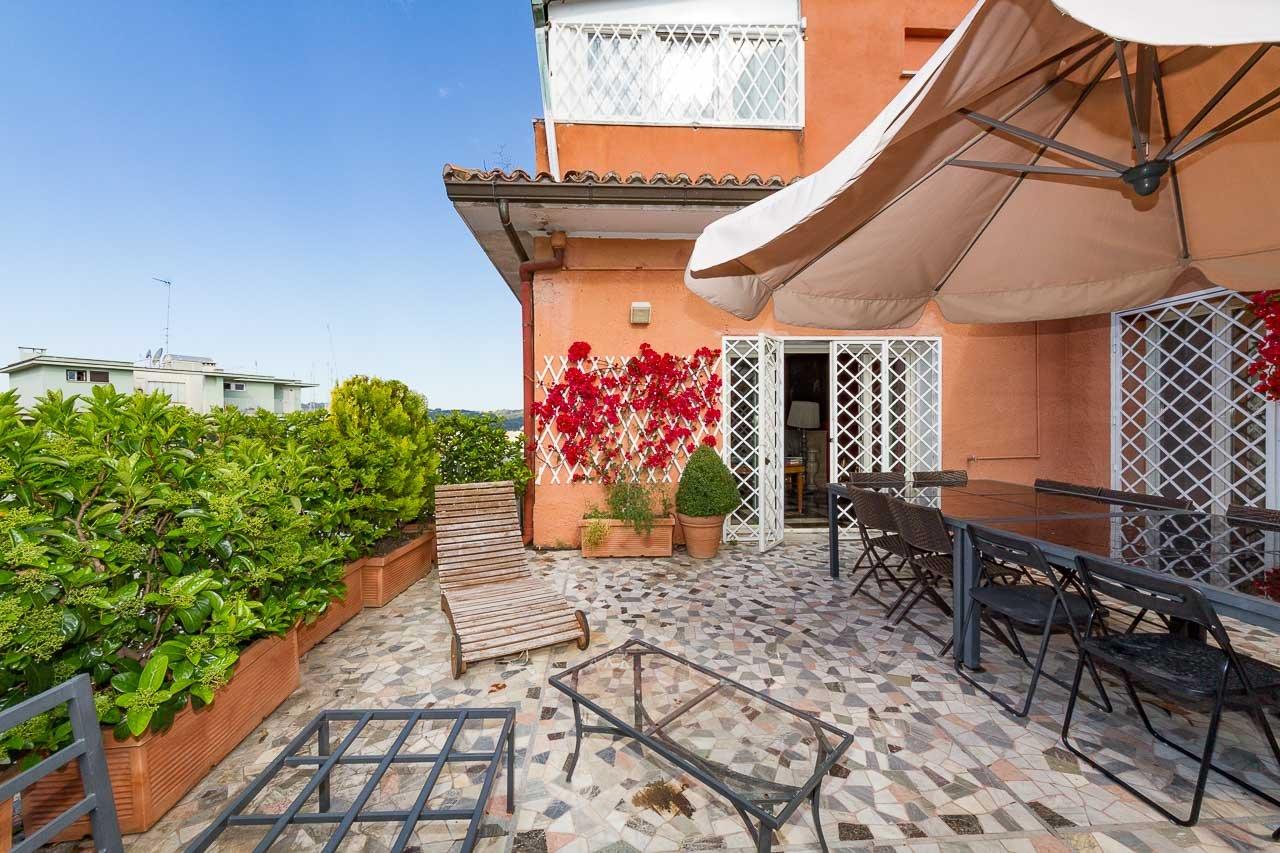 Attico Parioli – Appartamento di Lusso con Terrazzi Panoramici