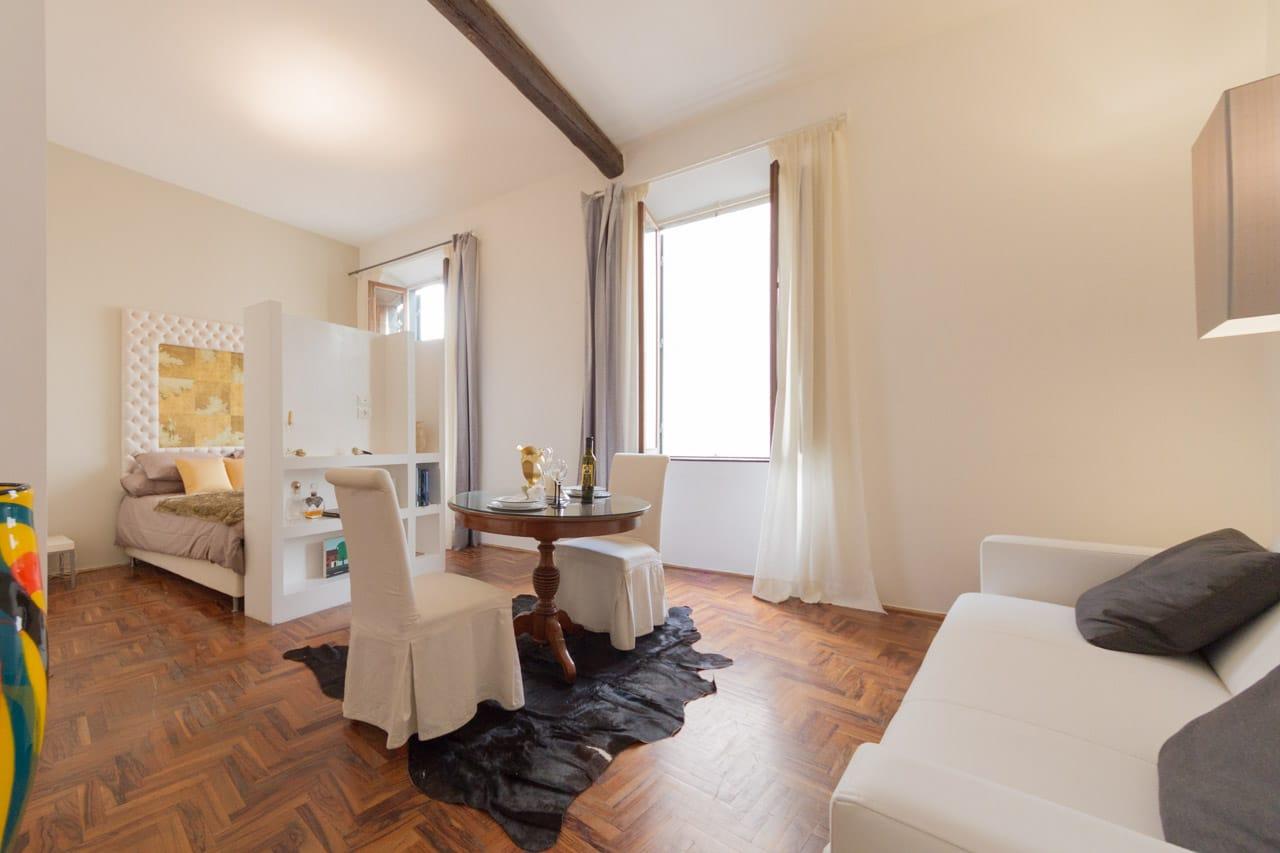 Affitto centro storico roma piccolo appartamento di for Appartamento affitto arredato roma